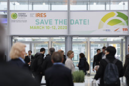 Besucher der Messe Energy Storage Europe